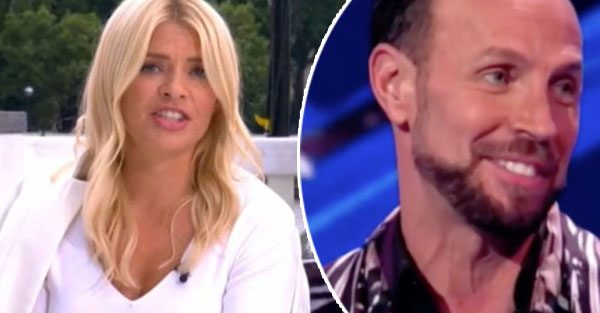 Holly Willoughby Dancing On Ice: Host makes Jason Gardiner dig