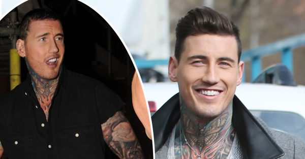 Jeremy McConnell shocks as he strips down on the street