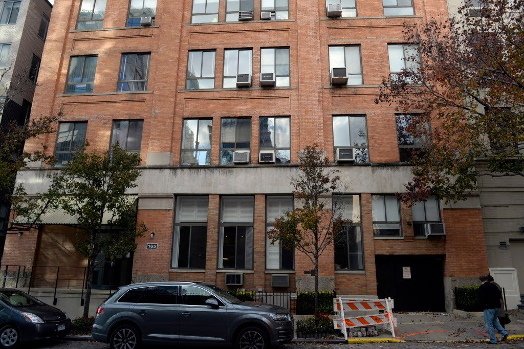West Village penthouse owner wants to keep hedgie's $2M deposit