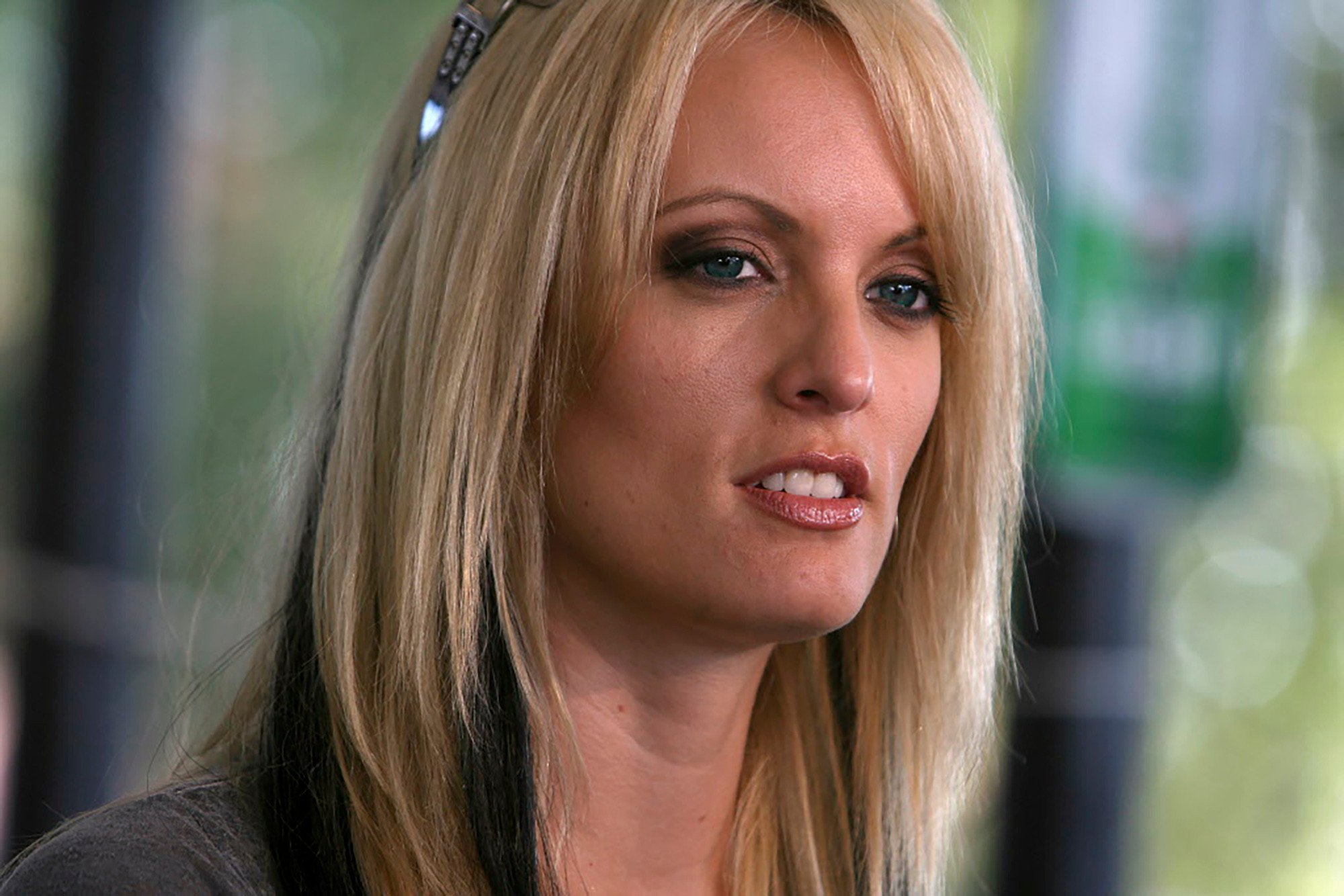 How Stormy Daniels responded when asked about alleged Trump tryst