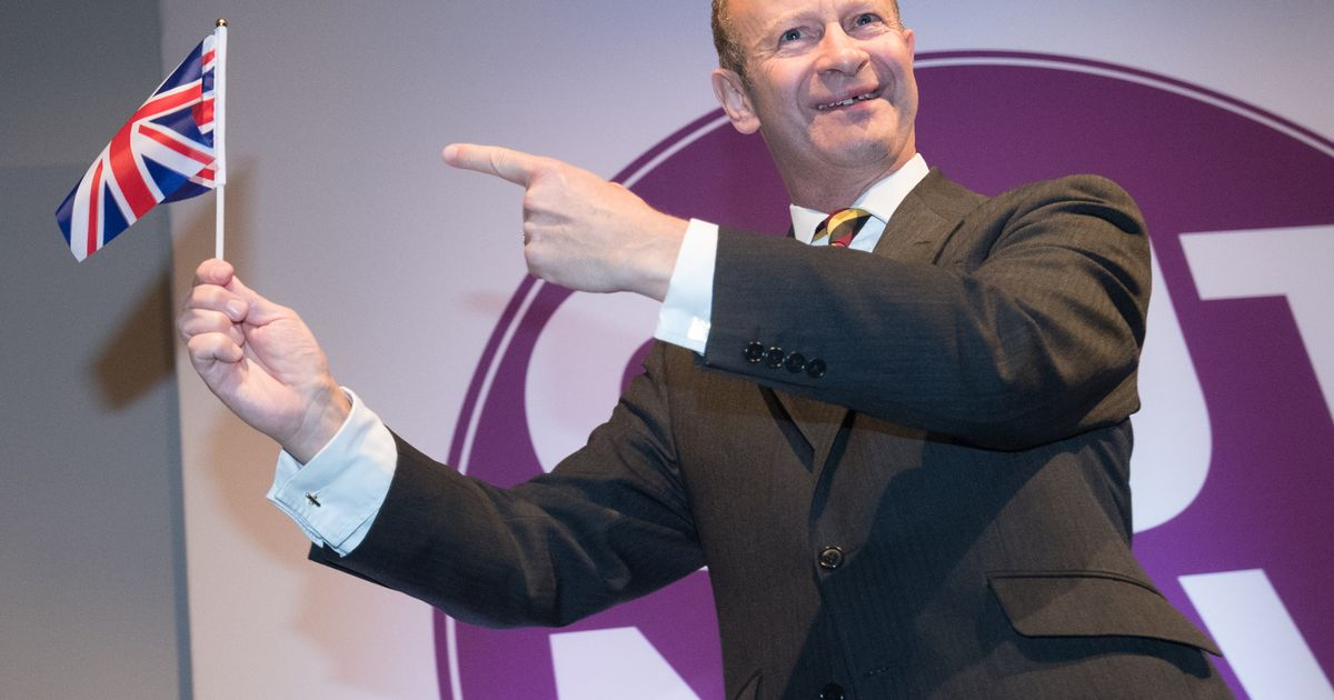 Ukip chaos as deputy leader and Brexit spokesman quit as Henry Bolton clings on