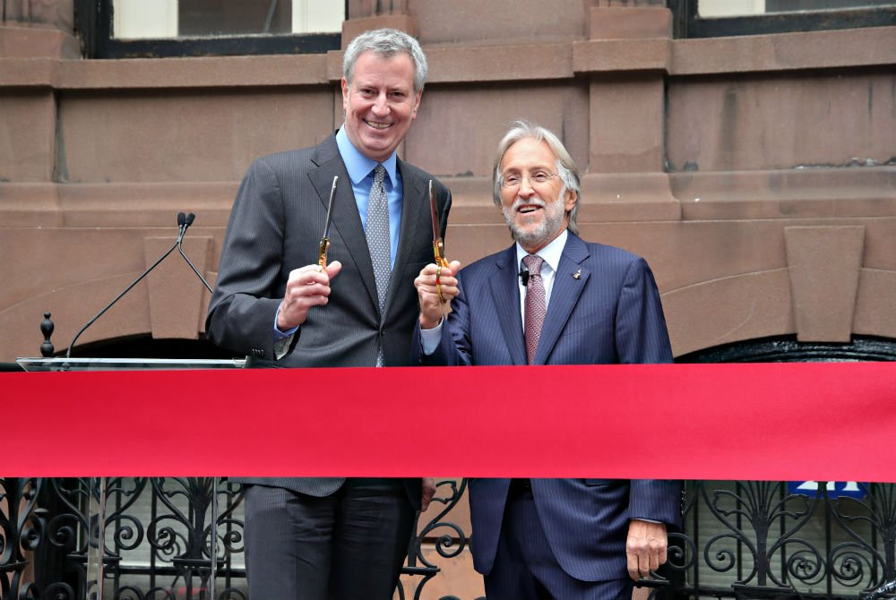Grammys Hold Ribbon-Cutting Ceremony for New York Townhouse With Mayor de Blasio, Neil Portnow