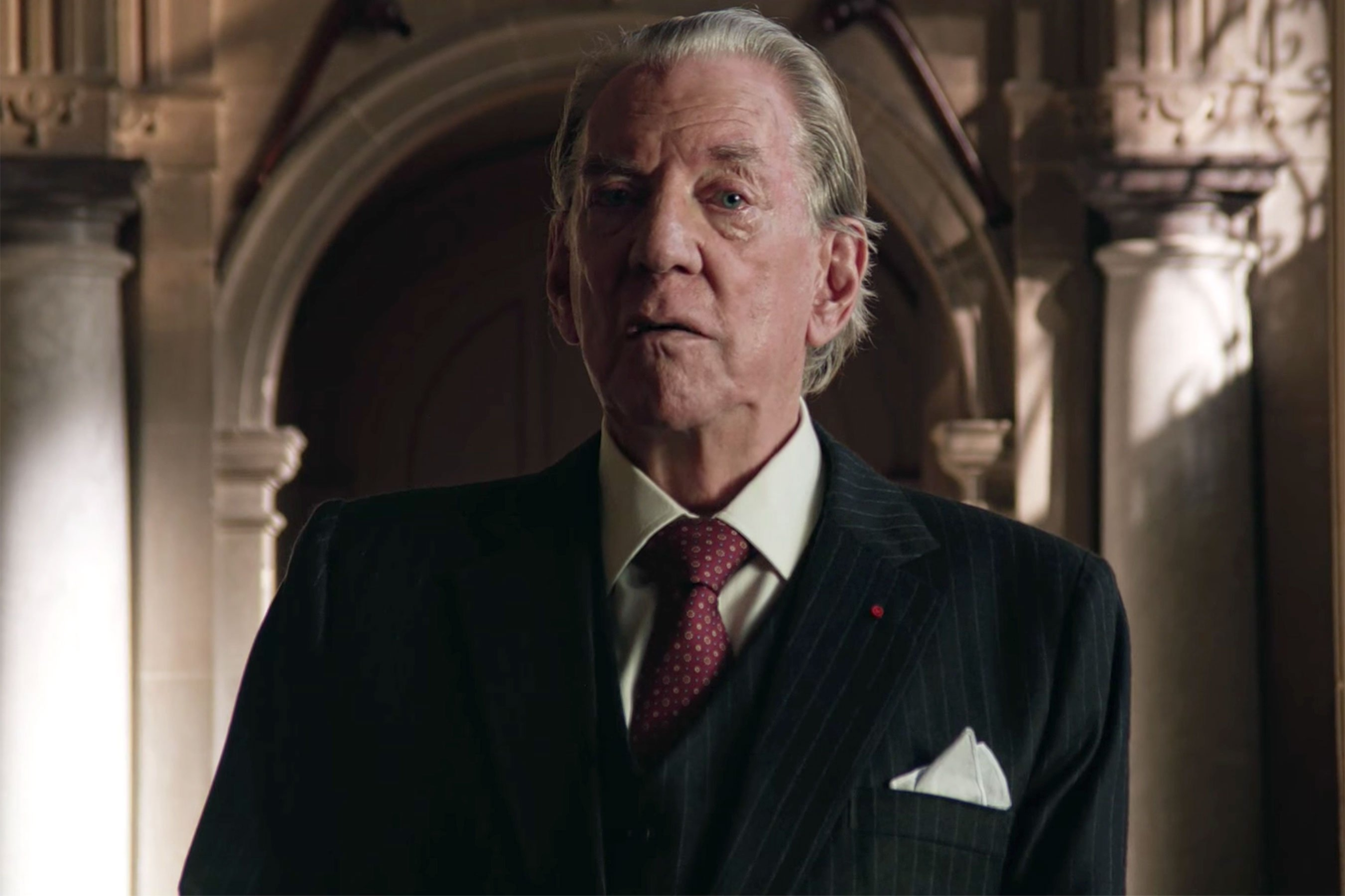Donald Sutherland is J. Paul Getty in 'Trust' trailer