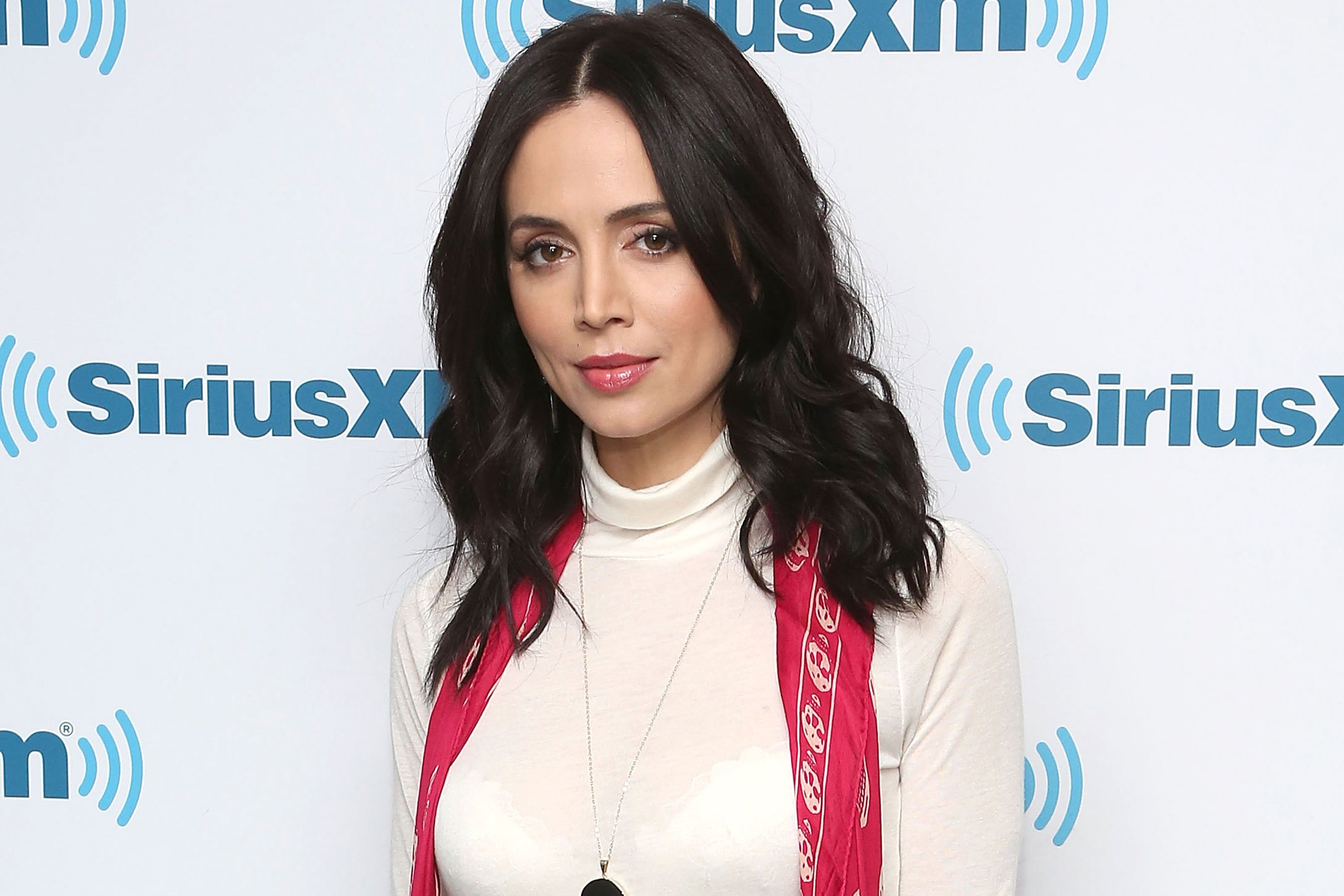 Eliza Dushku alleges True Lies stuntman molested her when she was 12