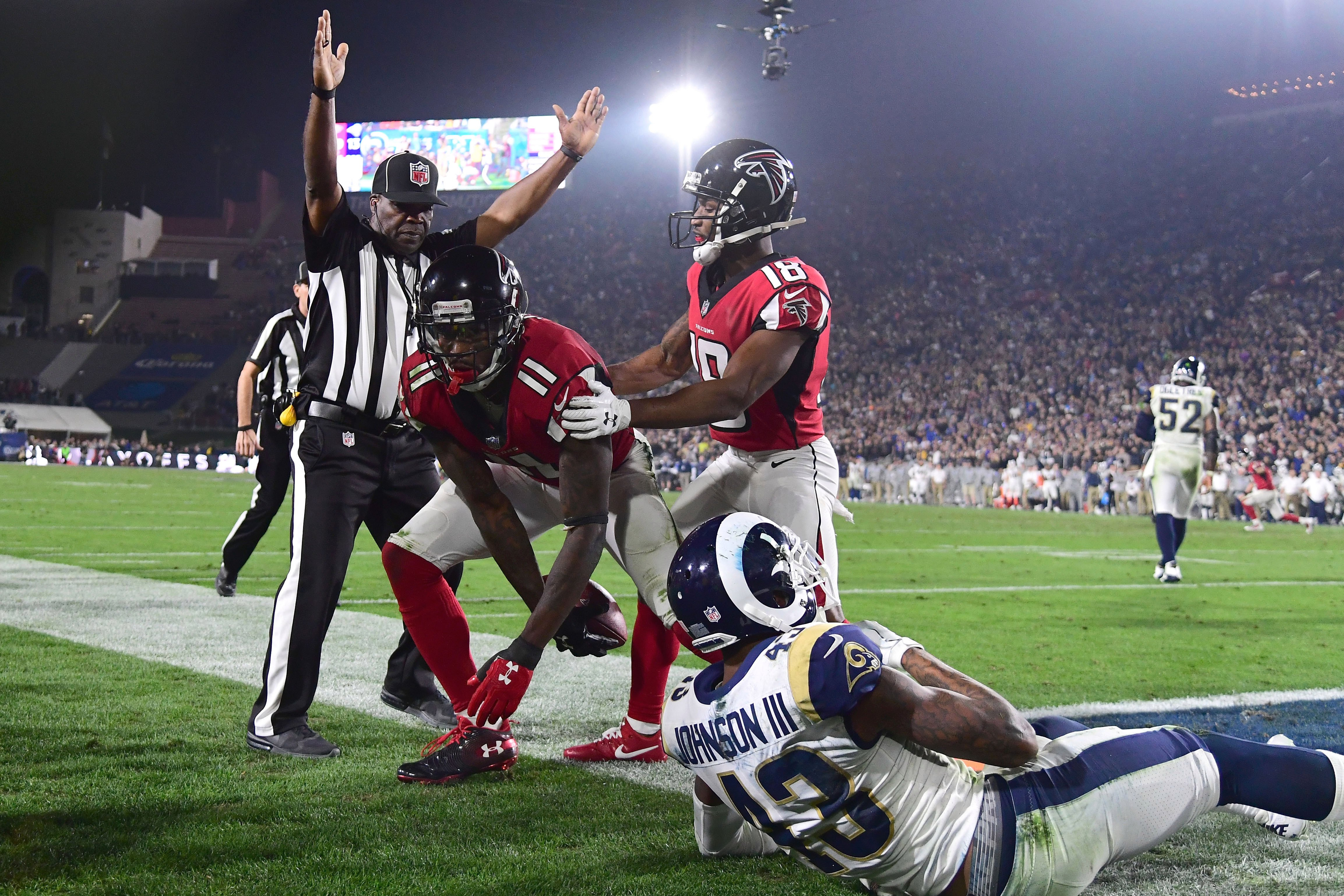 Falcons show playoff experience matters in win over Rams