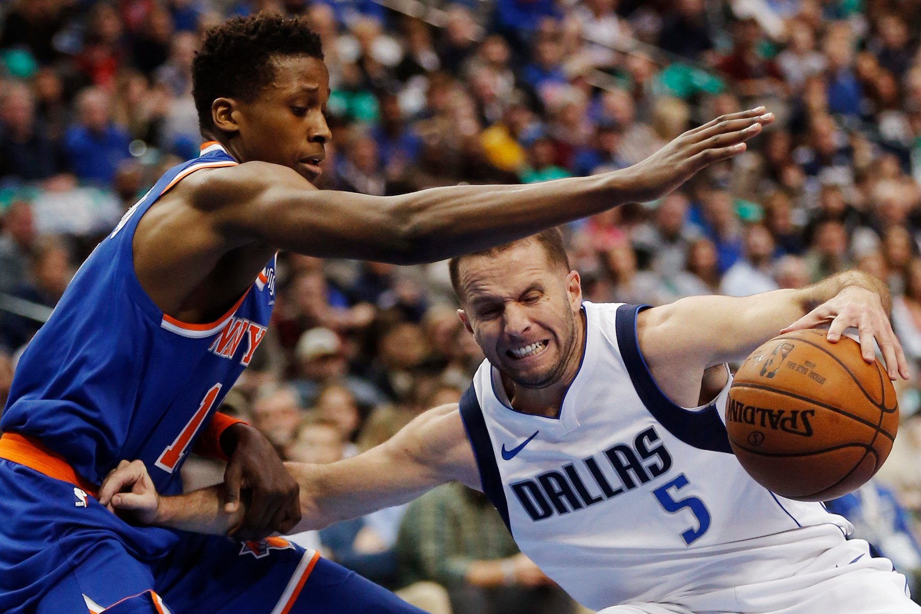 Frank Ntilikina gets last laugh in battle with top Mavericks rookie
