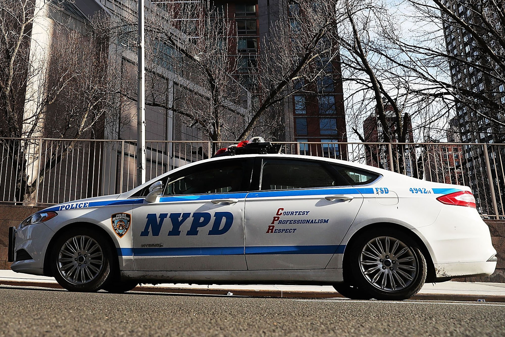 Drunken cab driver rams police car on UWS, injures cops