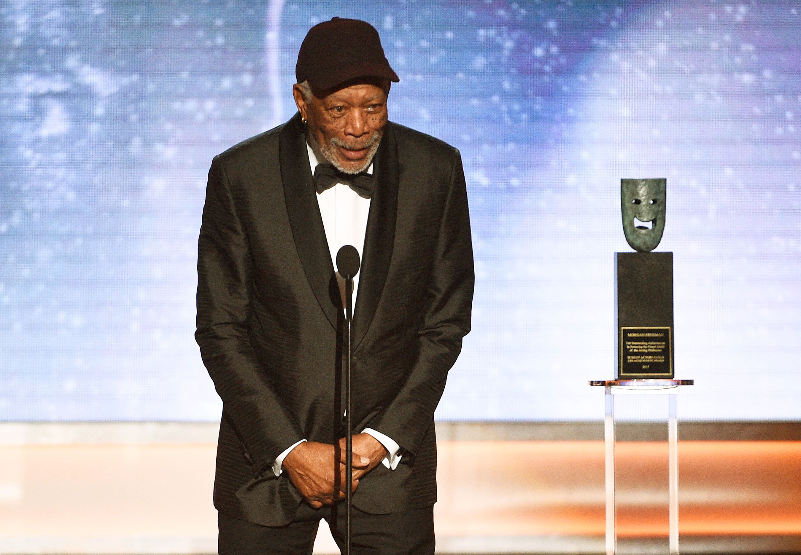 Who Morgan Freeman talked to during SAG Life Achievement speech