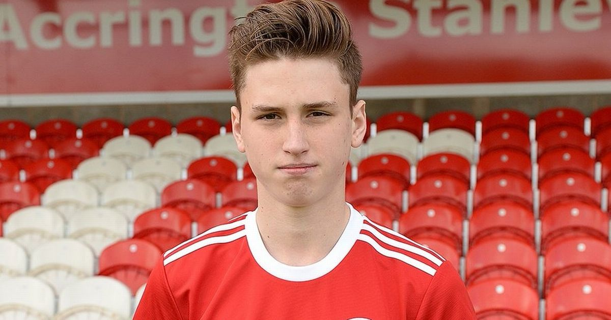 Teen footballer 'accidentally hanged himself' while dad was at parent's evening
