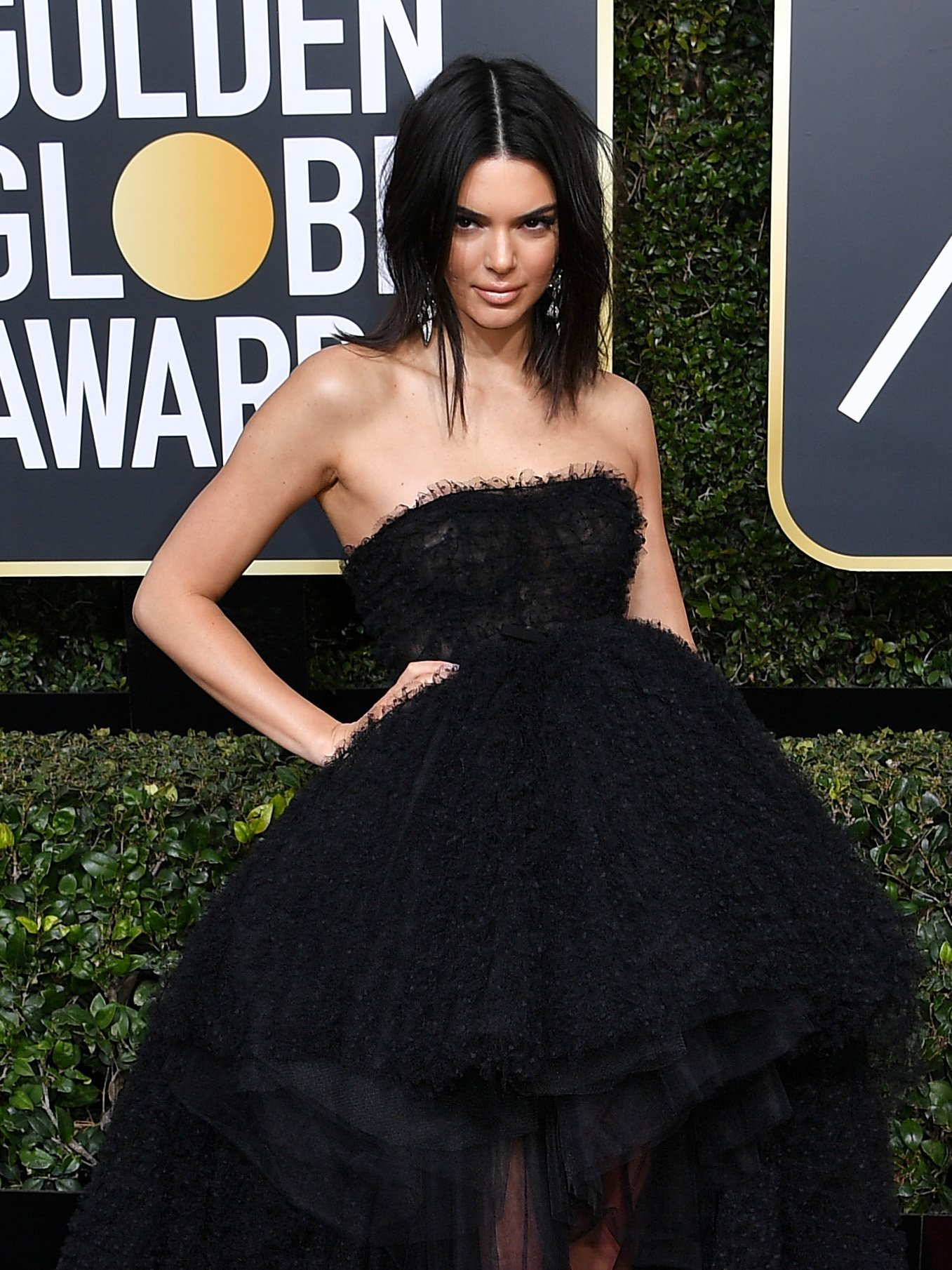 Kendall Jenner slams trolls who criticised her acne at Golden Globes 2018