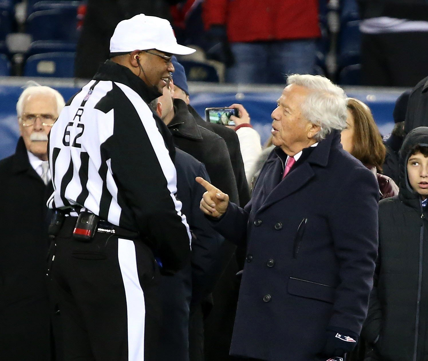 """Referees' questionable """"correction' jumpstarts Patriots rout"""