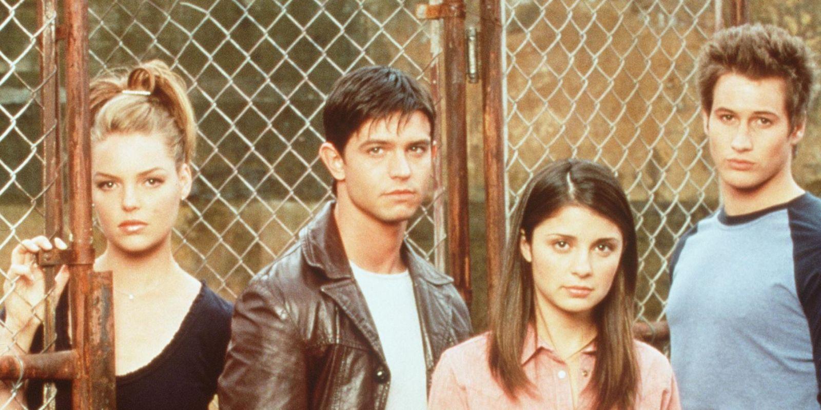 That Roswell reboot at The CW is officially happening