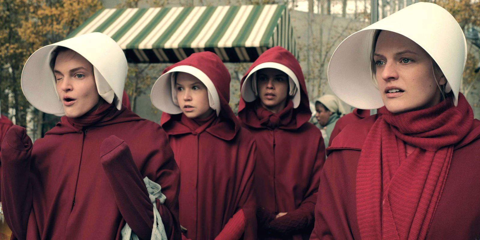 """Elisabeth Moss hints at """"inspiring"""" and """"gut-wrenching"""" Handmaid's Tale season 2 after Golden Globes win"""