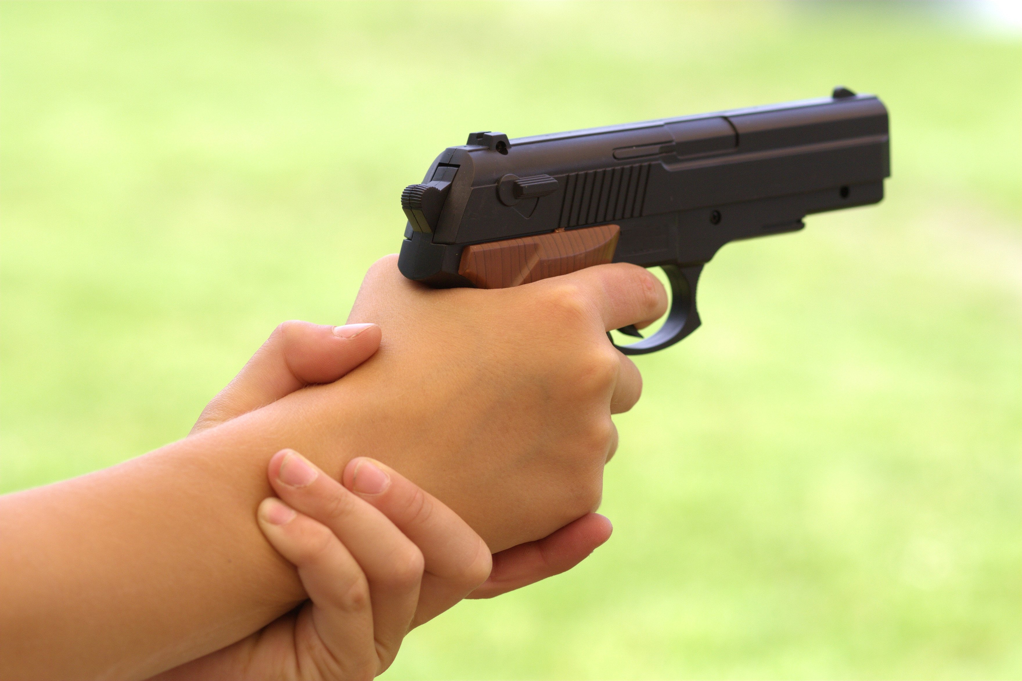6-year-old boy accidentally shoots 7-year-old sister