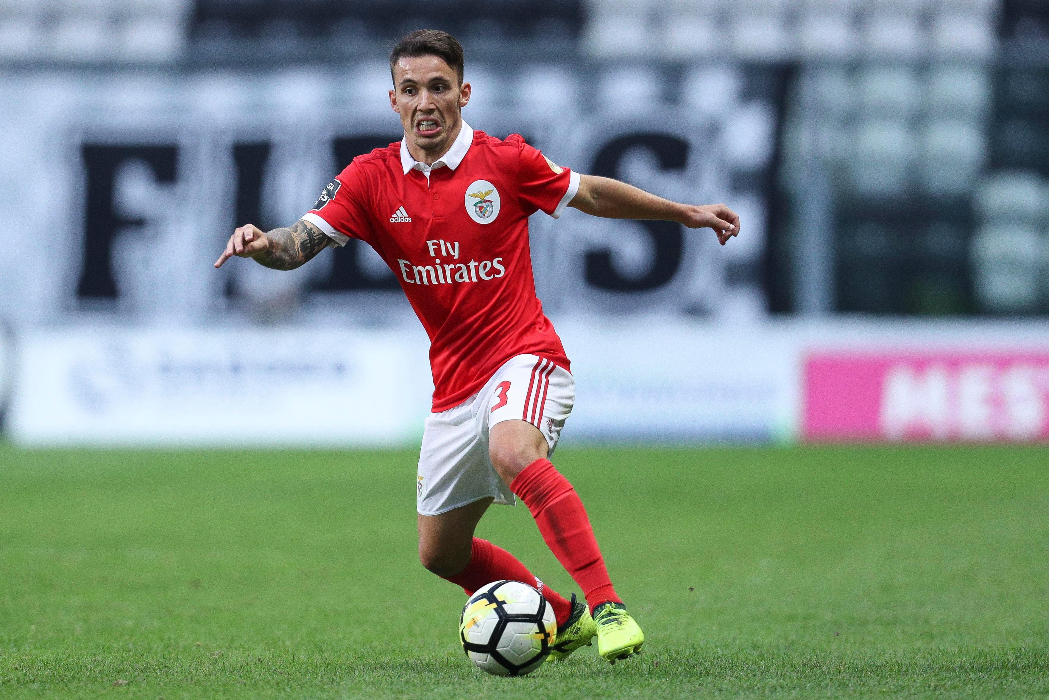 Napoli agree £27m deal to sign Manchester United target Alex Grimaldo from Benfica