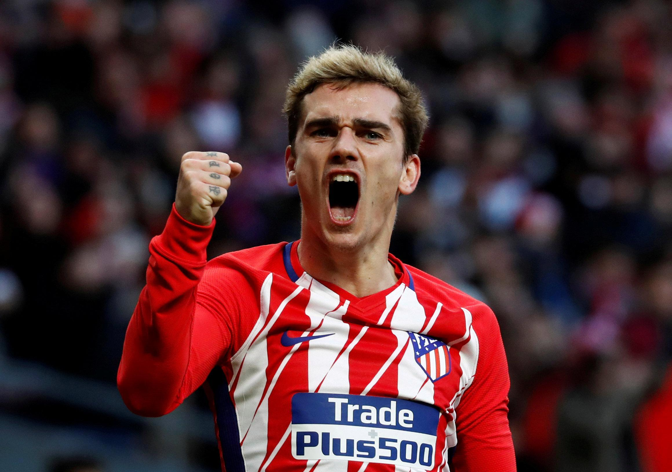 Manchester United and Barcelona target Antoine Griezmann 'seriously considering staying at Atletico Madrid'