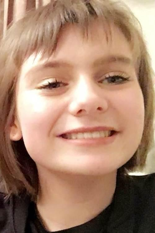 Police searching for missing schoolgirl, 14, who vanished after being dropped to lessons