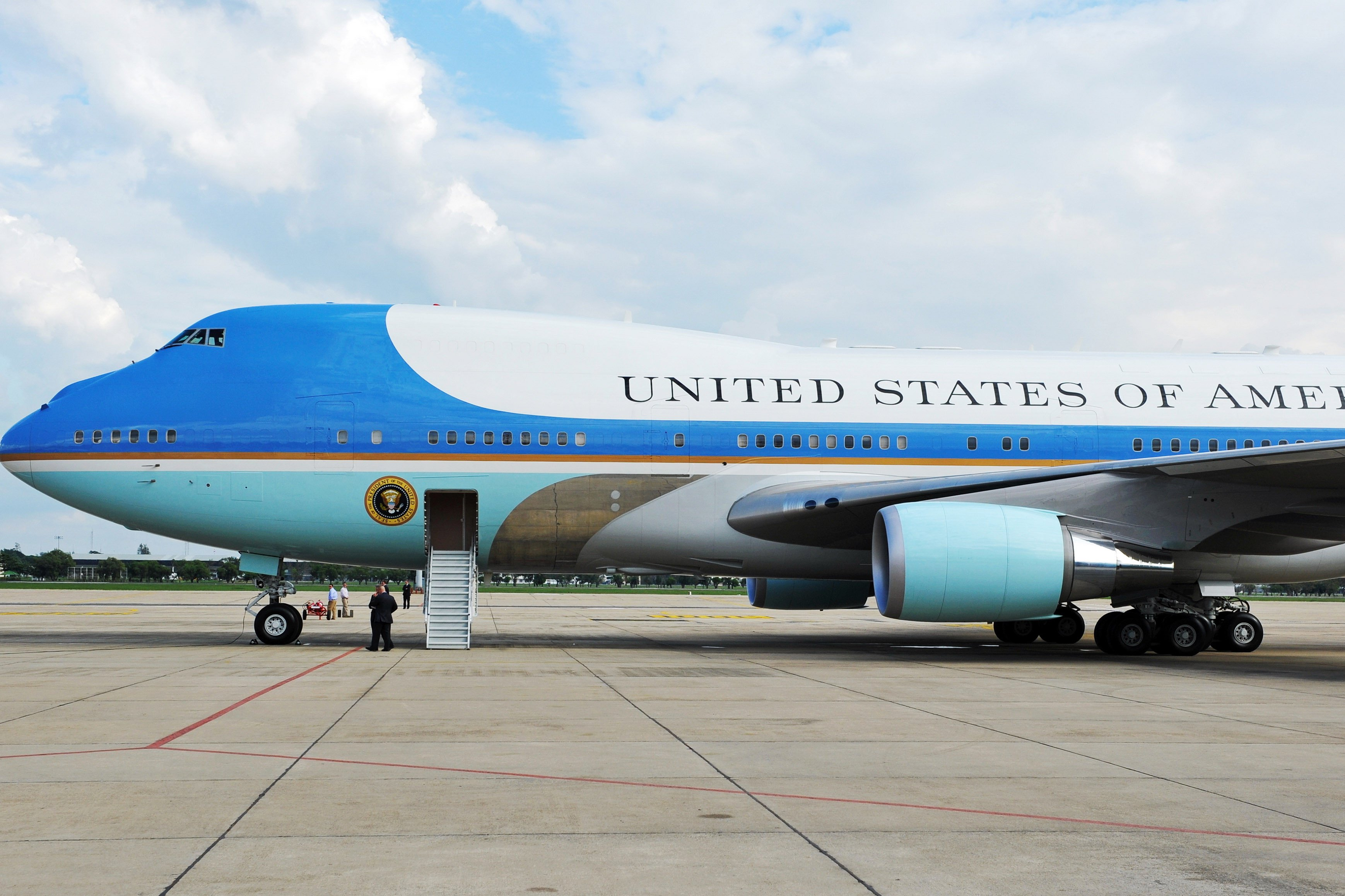 Air Force One needs new refrigerators — and it's going to cost $24M
