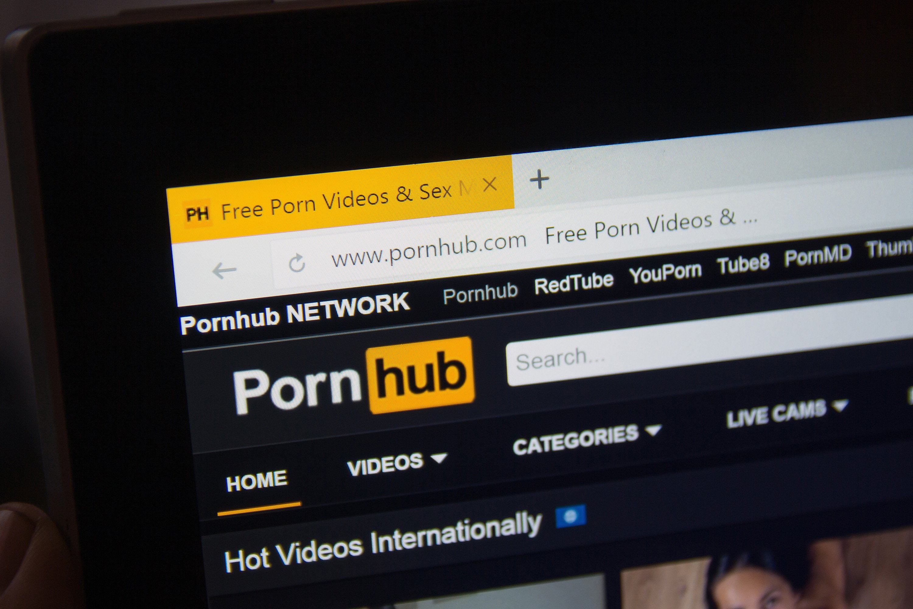 Hawaiians celebrated false missile alert by watching lots of porn