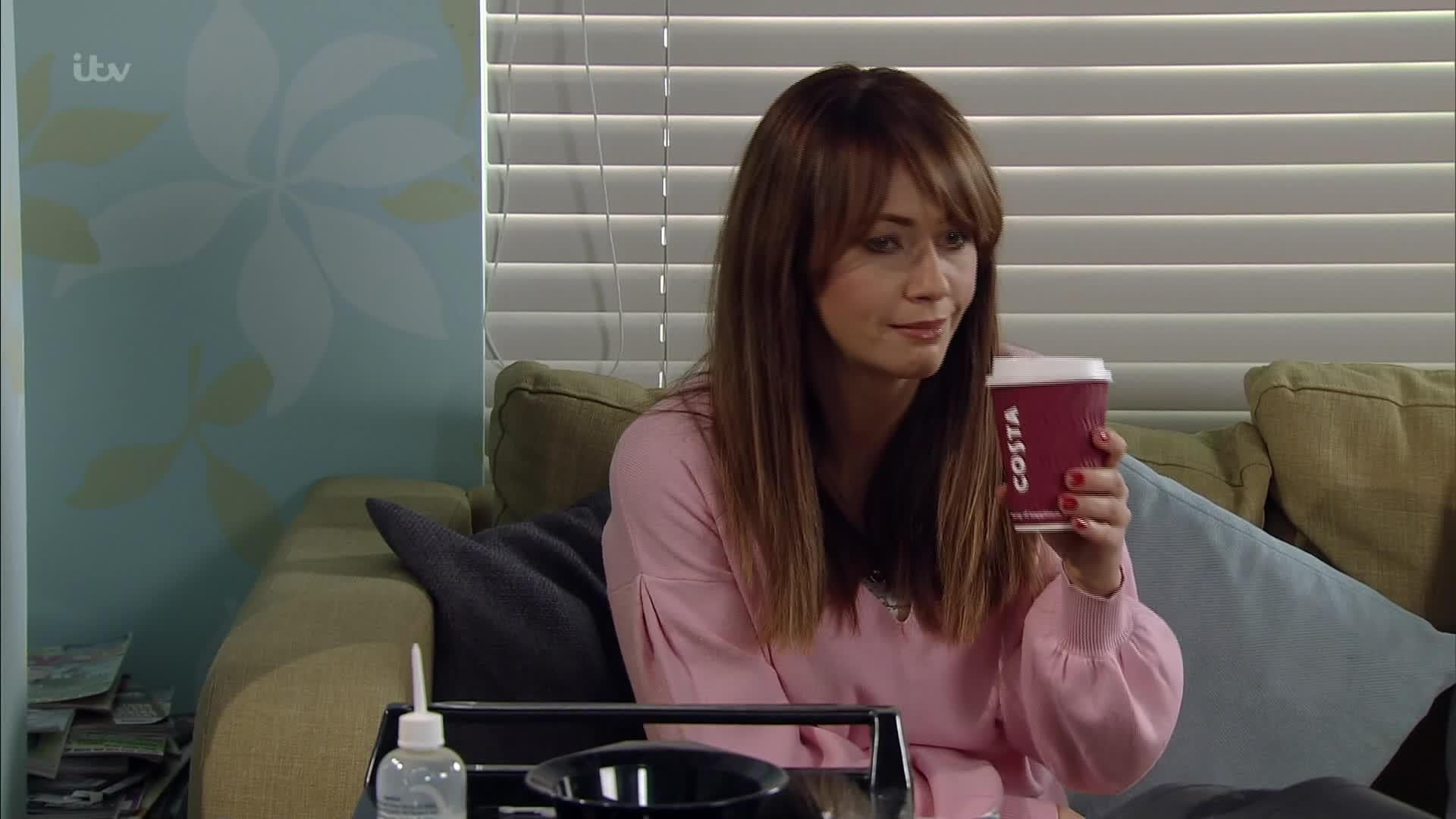 Coronation Street fans convinced soap is secretly sponsored by Costa as characters wave around their takeaway cups