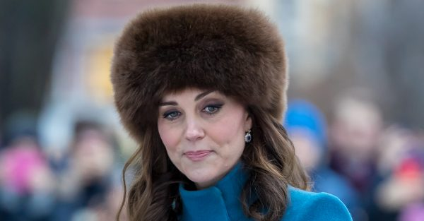 Pregnant Kate Middleton complains about the weather