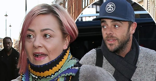 Lisa Armstrong 'using Twitter to open up on divorce'