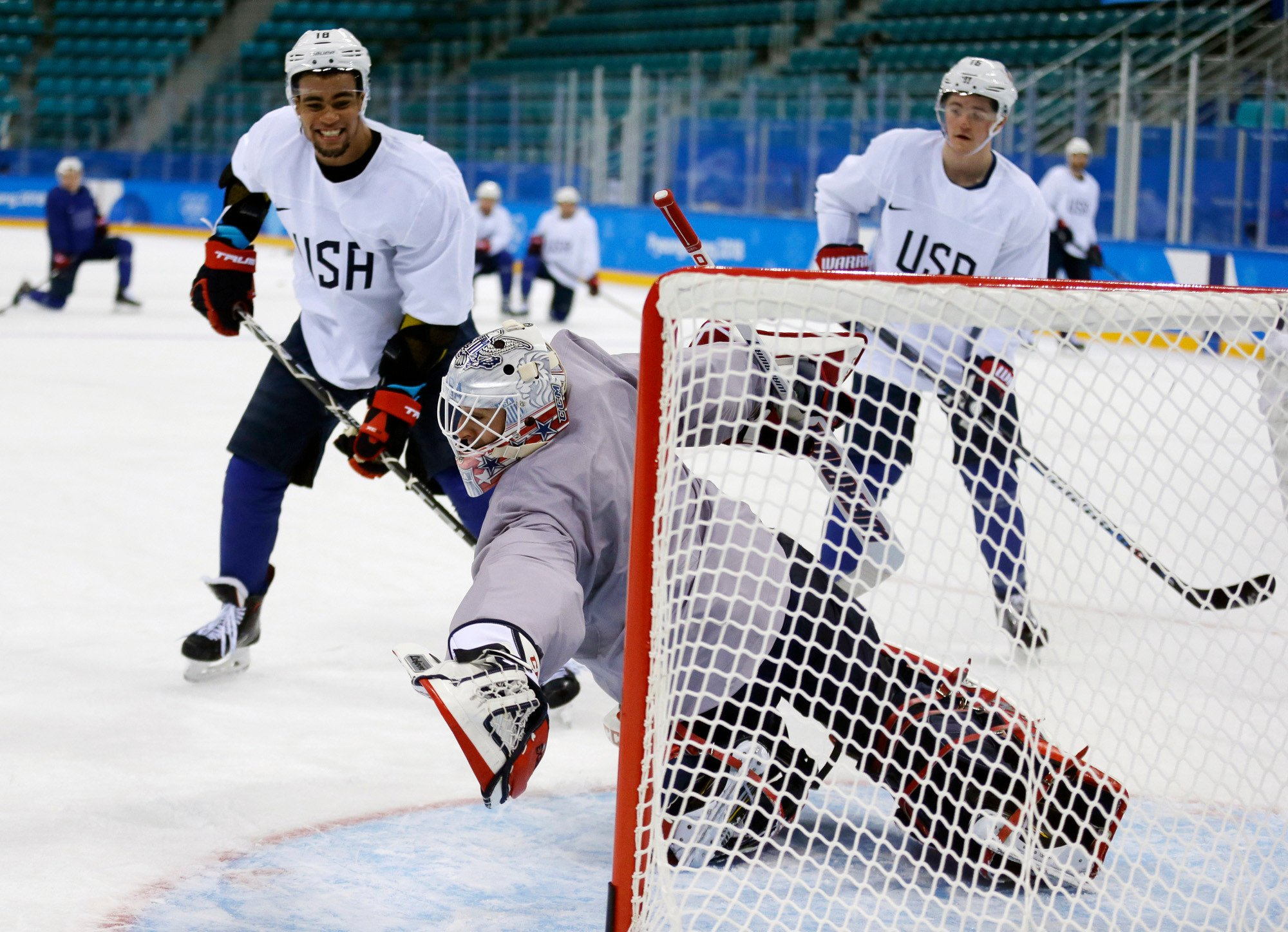 US hockey team builds chemistry through group chat