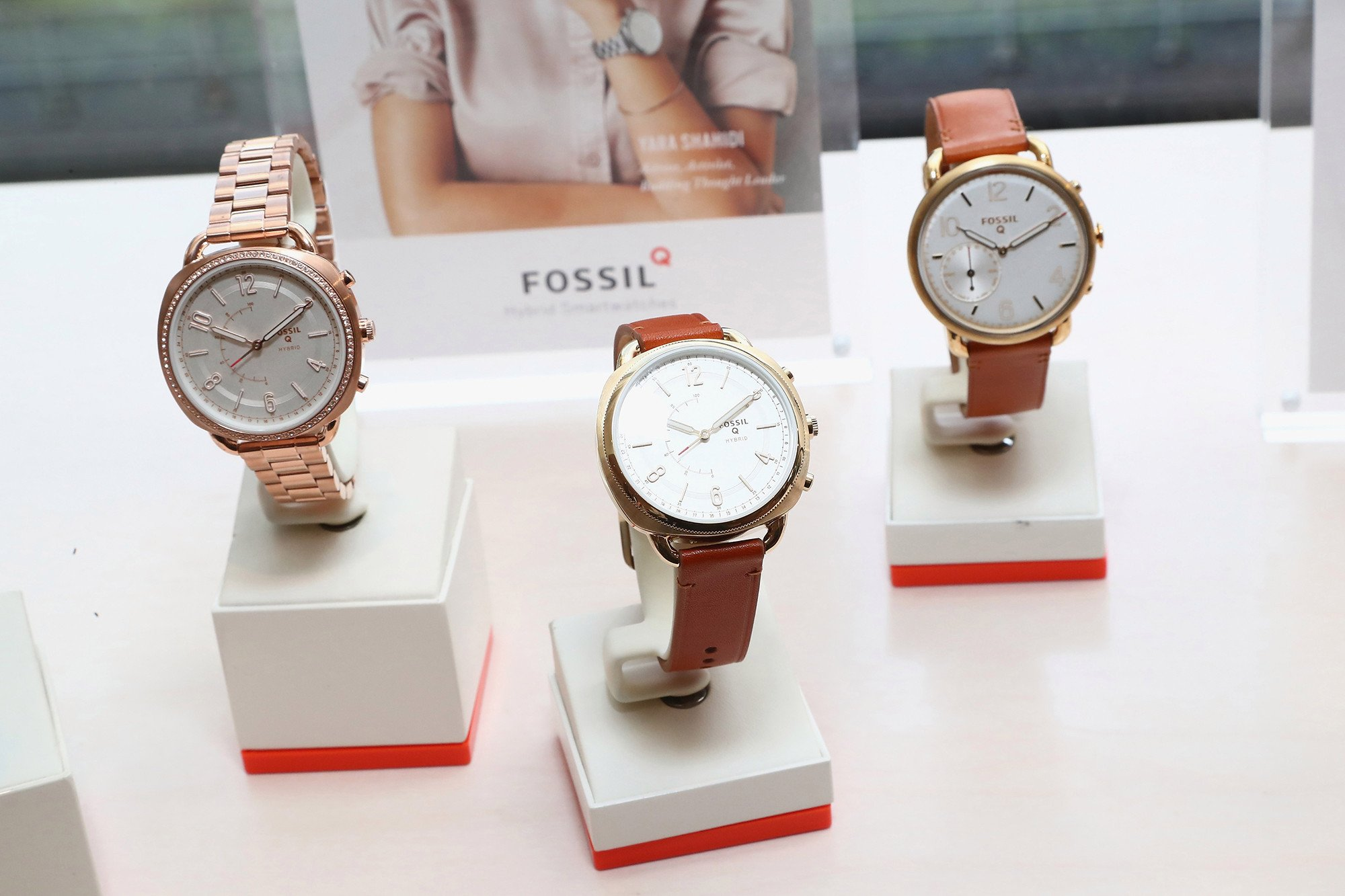 Fossil shares surge on improved holiday sales