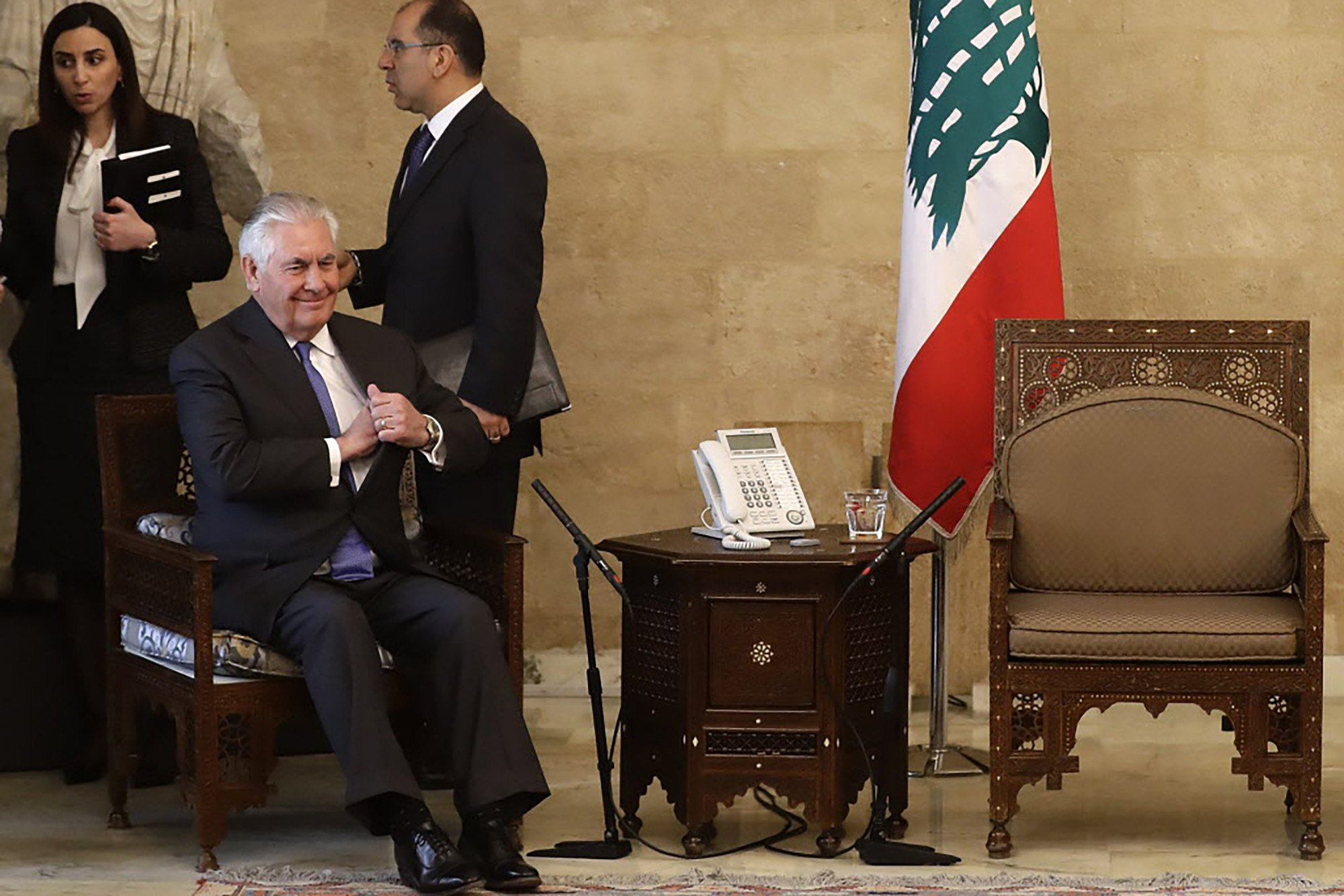 Lebanese officials deny president kept Tillerson waiting