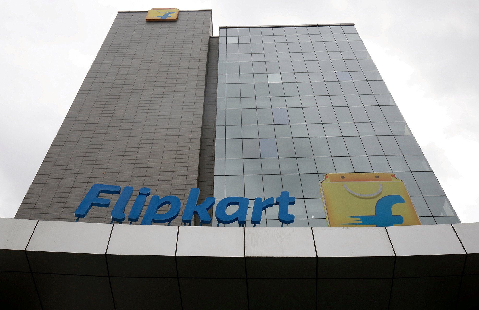 Walmart in talks to buy stake in India's Flipkart