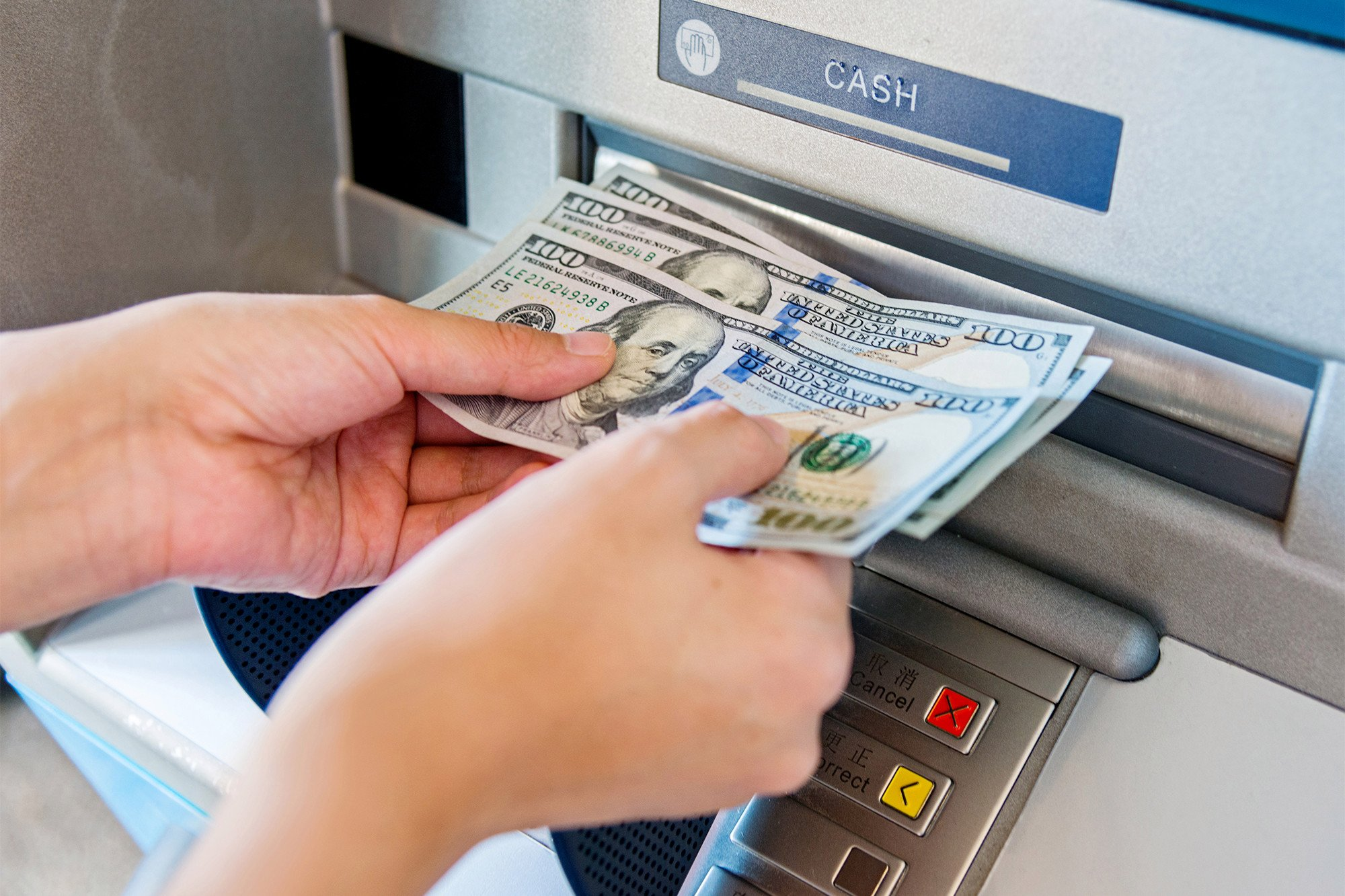 Bank sues customer for hitting up overly generous ATM that spat out $100s