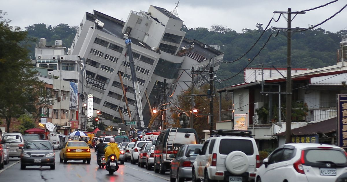 Hotel tilts precariously after deadly earthquake kills 6 people in Taiwan