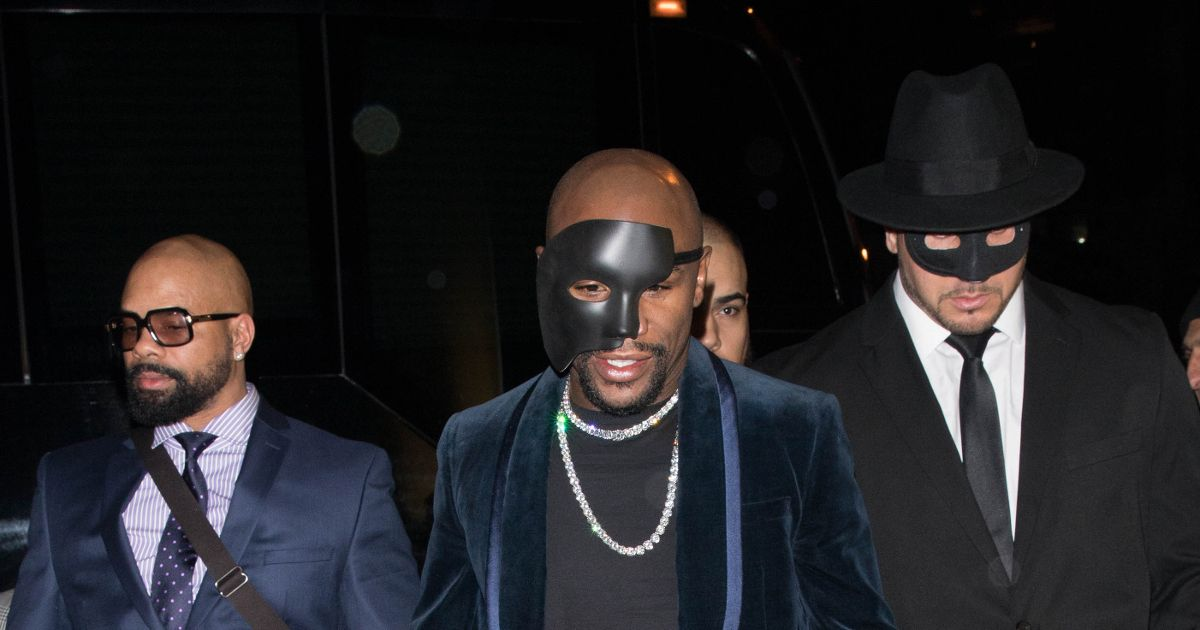 Floyd Mayweather celebrates birthday with Fifty Shades of Grey-themed party