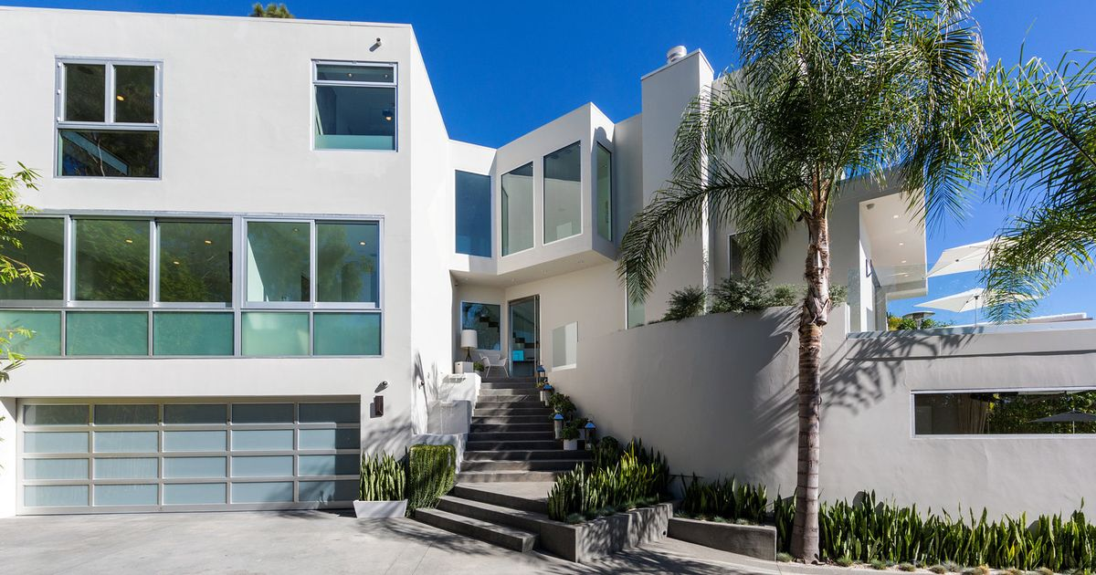 Inside Harry Styles' £6million LA home which he is putting up for sale