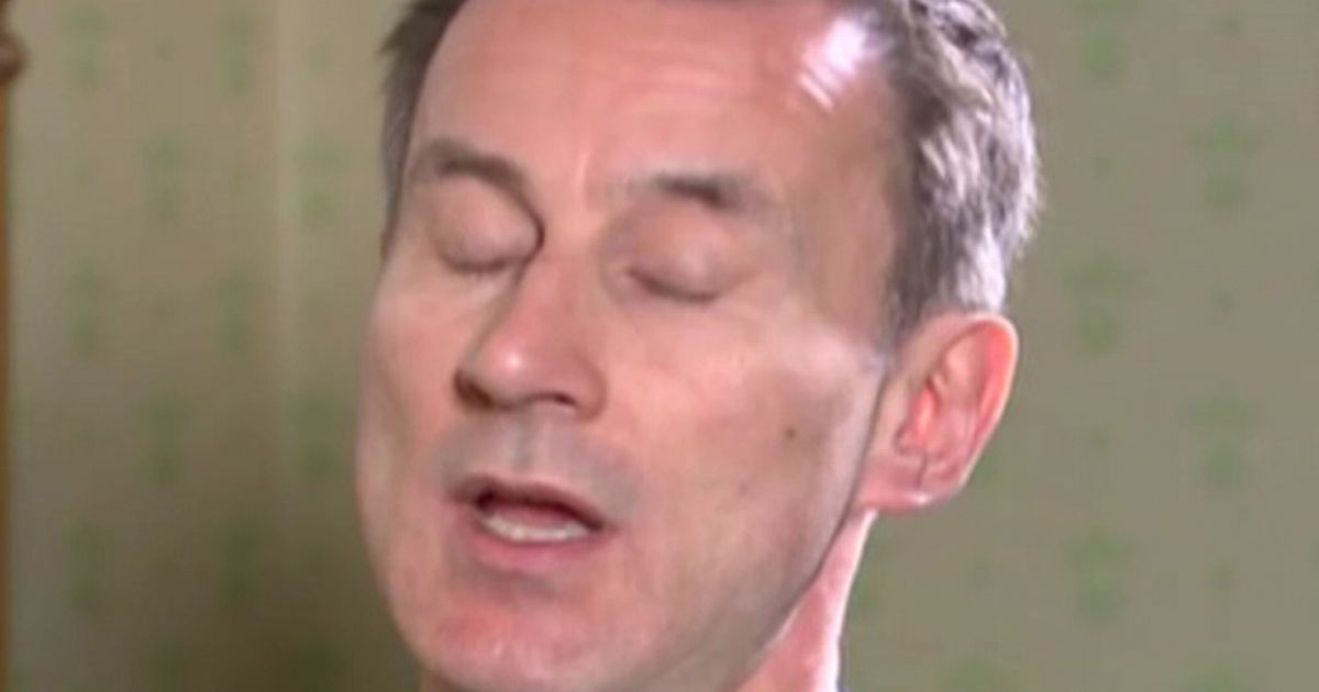 Jeremy Hunt has a very uncomfortable reaction to NHS doctor's honest admission