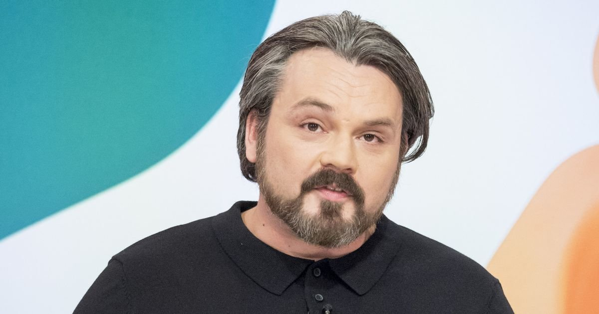 Penniless Paul Cattermole leaves shirt with Loose Women to avoid theft claims