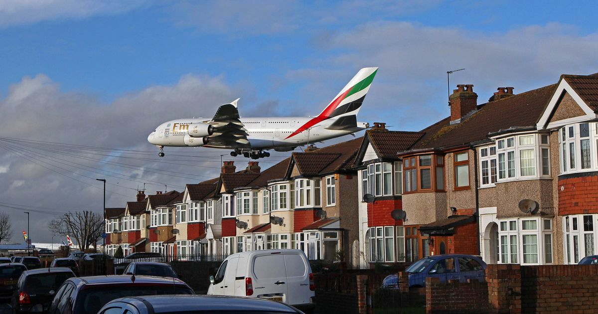 Fears of crashes and terror attacks 'makes Brits more scared of flying'