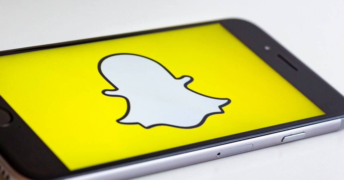 85,000 people sign a petition to remove Snapchat's update