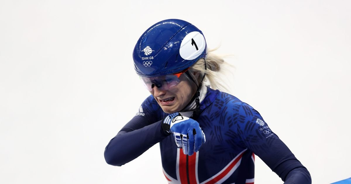 Elise Christie crashes in Winter Olympics 500m final to miss out on medal