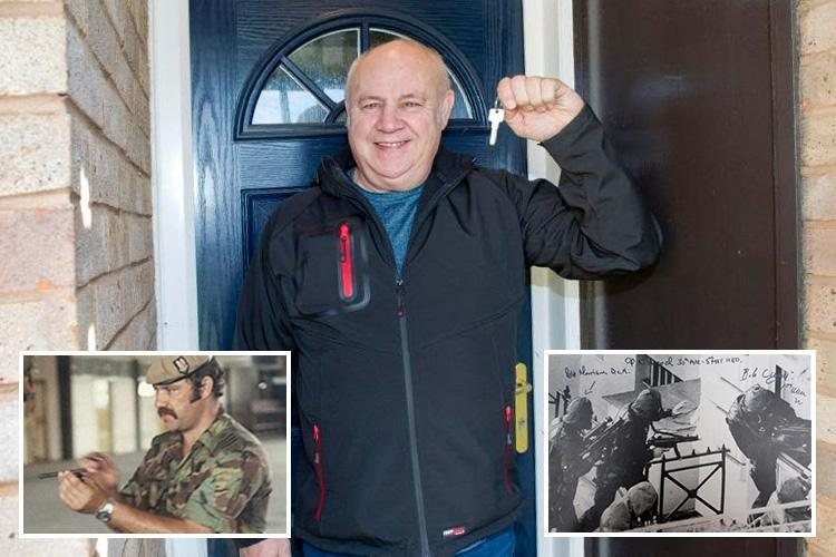 SAS hero Bob Curry calls for ALL 13,000 homeless veterans to get a home after he bagged one thanks to Sun readers