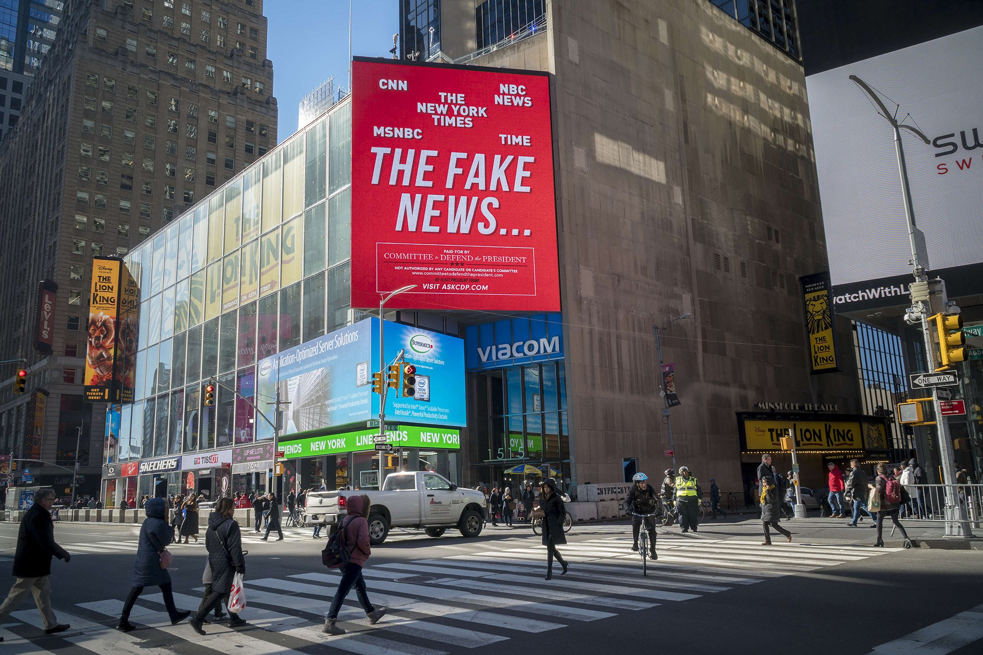 'Fake News' billboard pulled down in Times Square