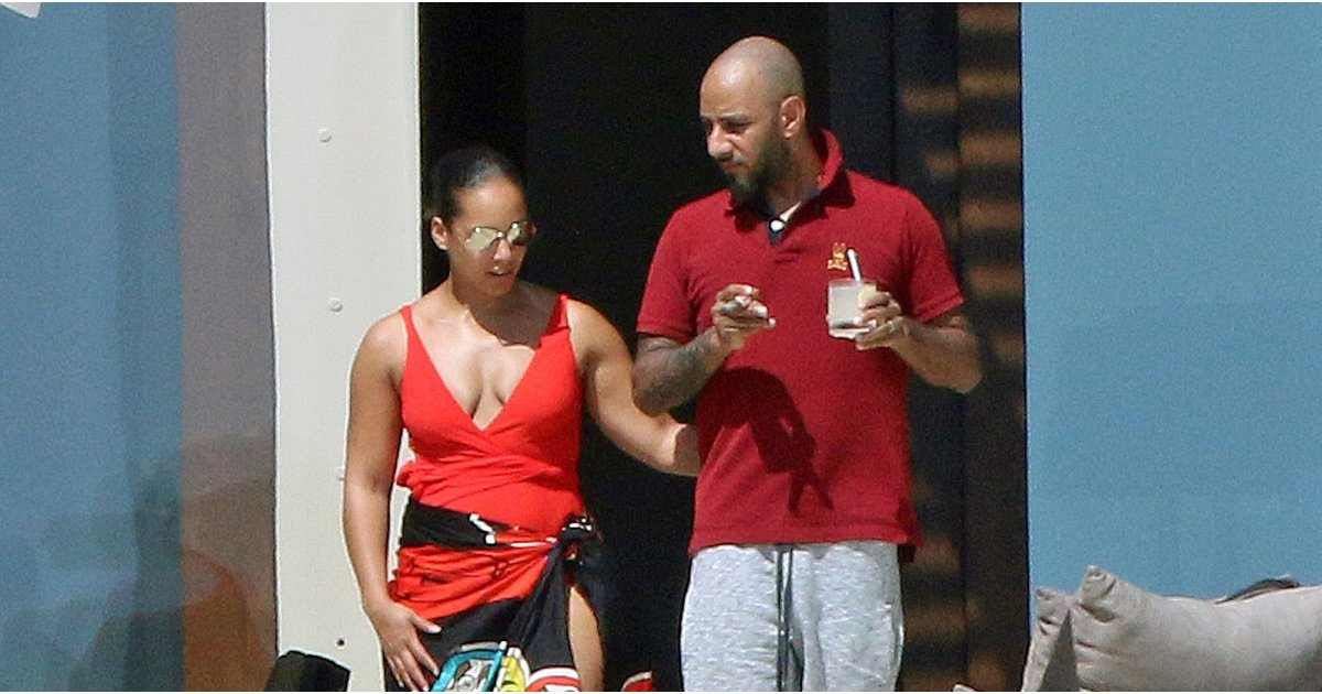 Alicia Keys Wore Your Classic 1-Piece Swimsuit in a Way You've Never Imagined Before