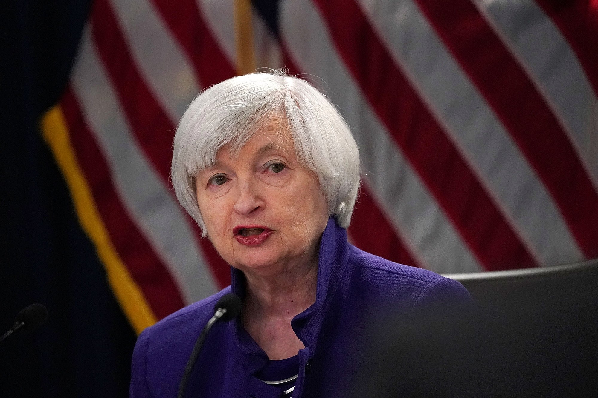 Fed maintains interest rate, but expects inflation to rise