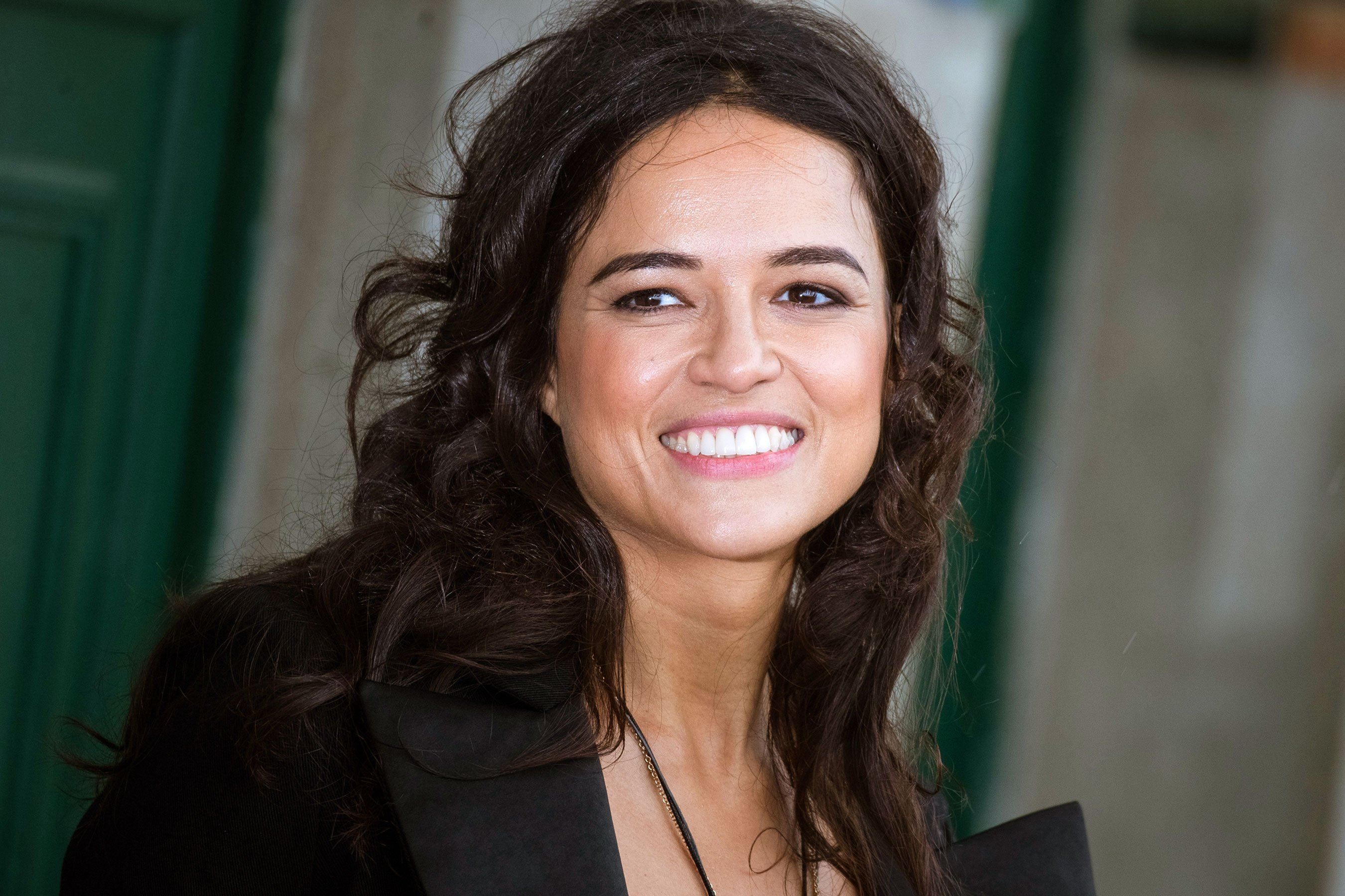 Michelle Rodriguez to star in VR series by Robert Rodriguez
