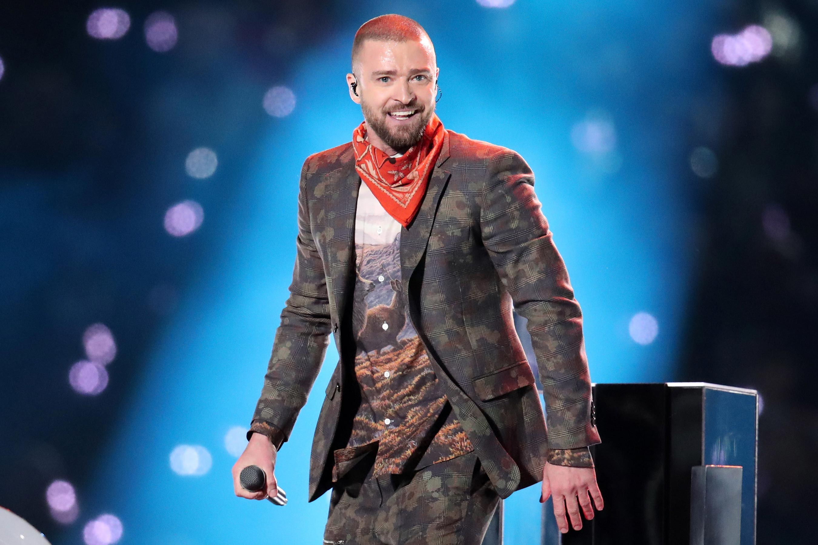 Justin Timberlake's Super Bowl halftime show review: Dutiful and empty