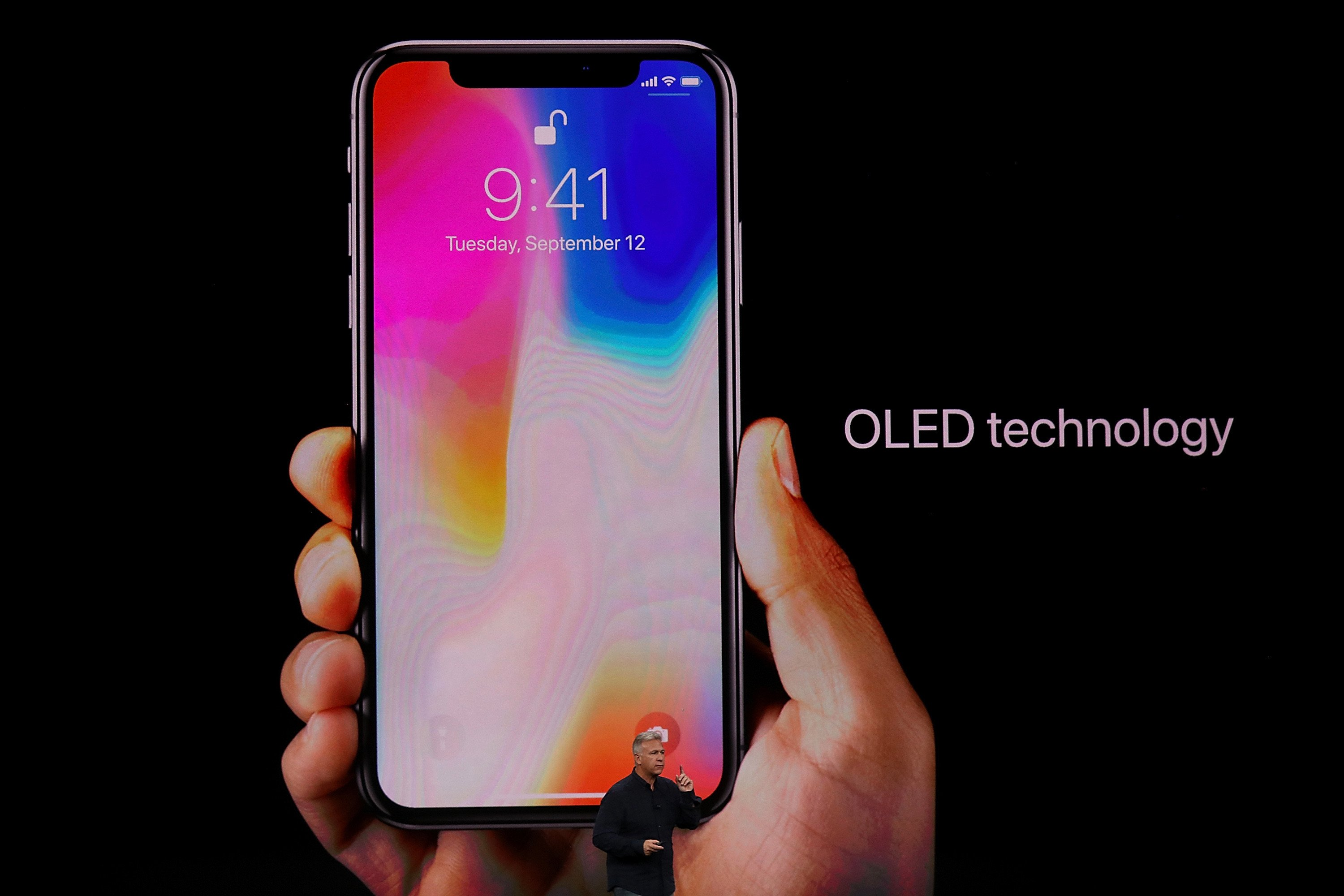 It's getting harder to deny that the iPhone X is a flop