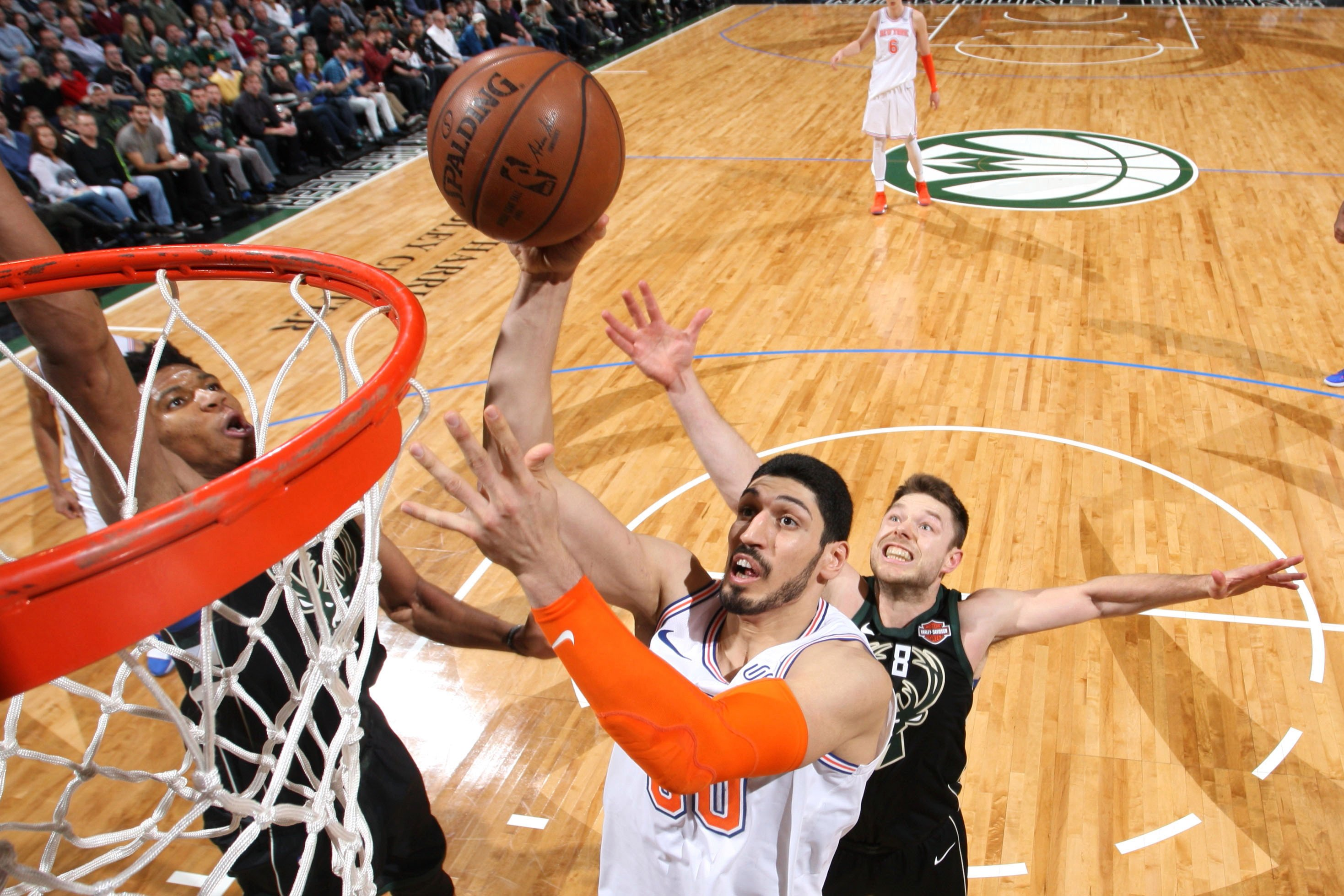 Enes Kanter not letting 18 stitches in his mouth stop him