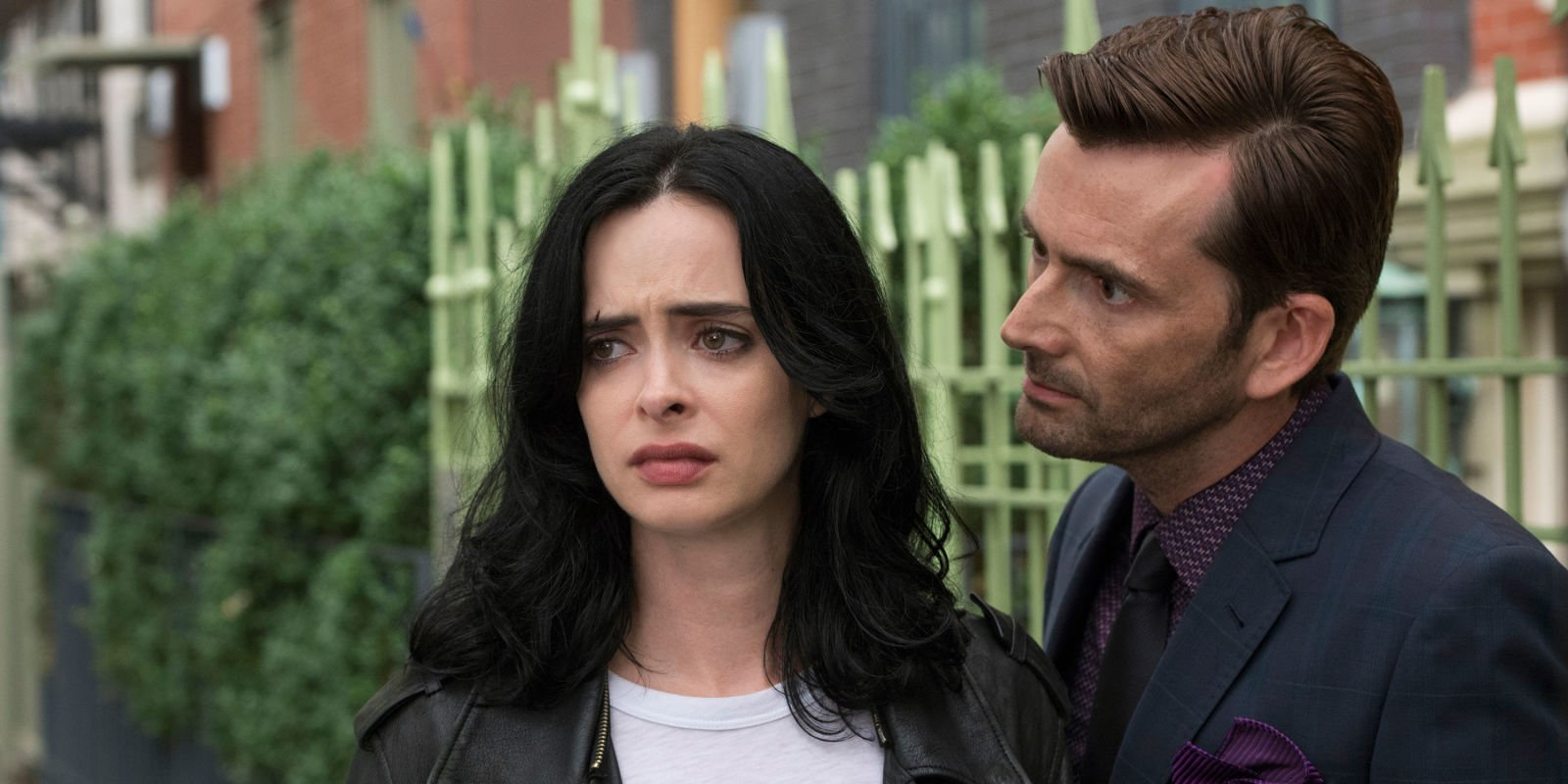 "Jessica Jones is ""still angry"" in new season 2 trailer"