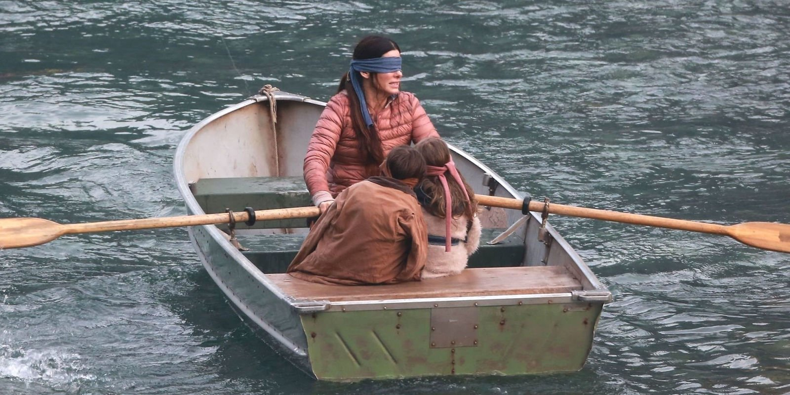Sandra Bullock blindfolded in a post-apocalyptic world in first look at chiller Bird Box