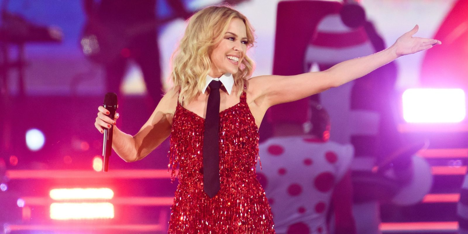 Kylie Minogue announces Golden Tour dates